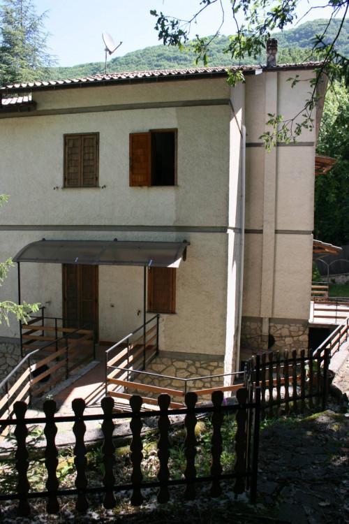 Villa in Vendita a Cervara di Roma
