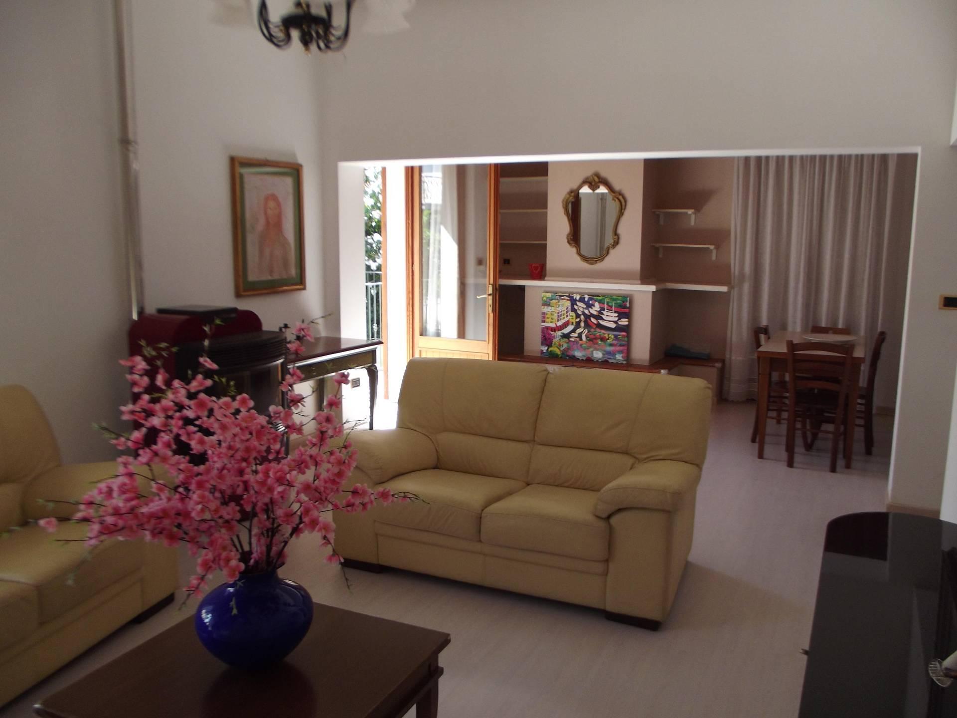 Villa in vendita a Tortoreto, 4 locali, zona Località: TortoretoLido, prezzo € 260.000 | CambioCasa.it