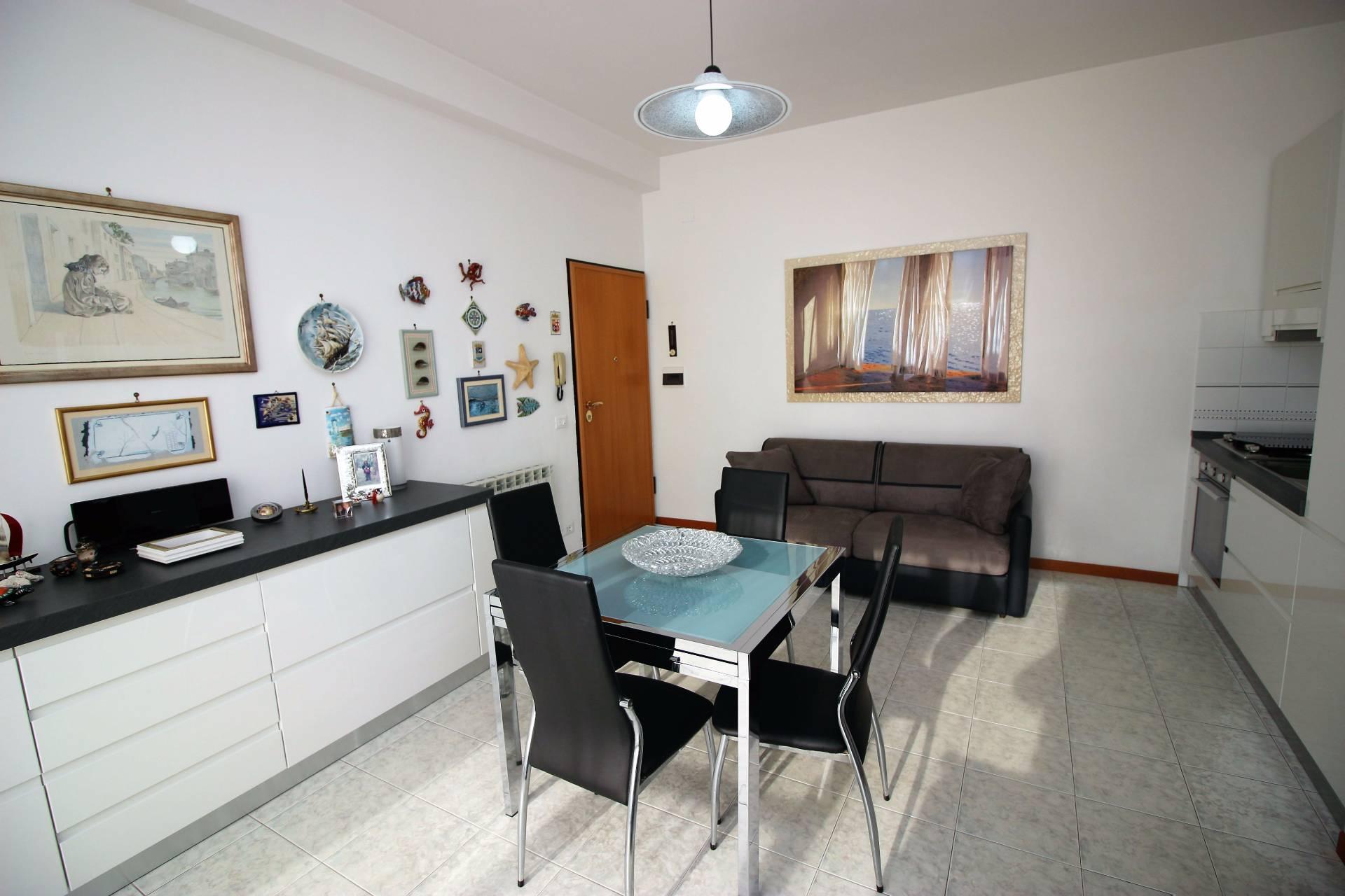 Appartamento in vendita a Tortoreto, 3 locali, zona Località: ZonaMare, prezzo € 129.000   Cambio Casa.it