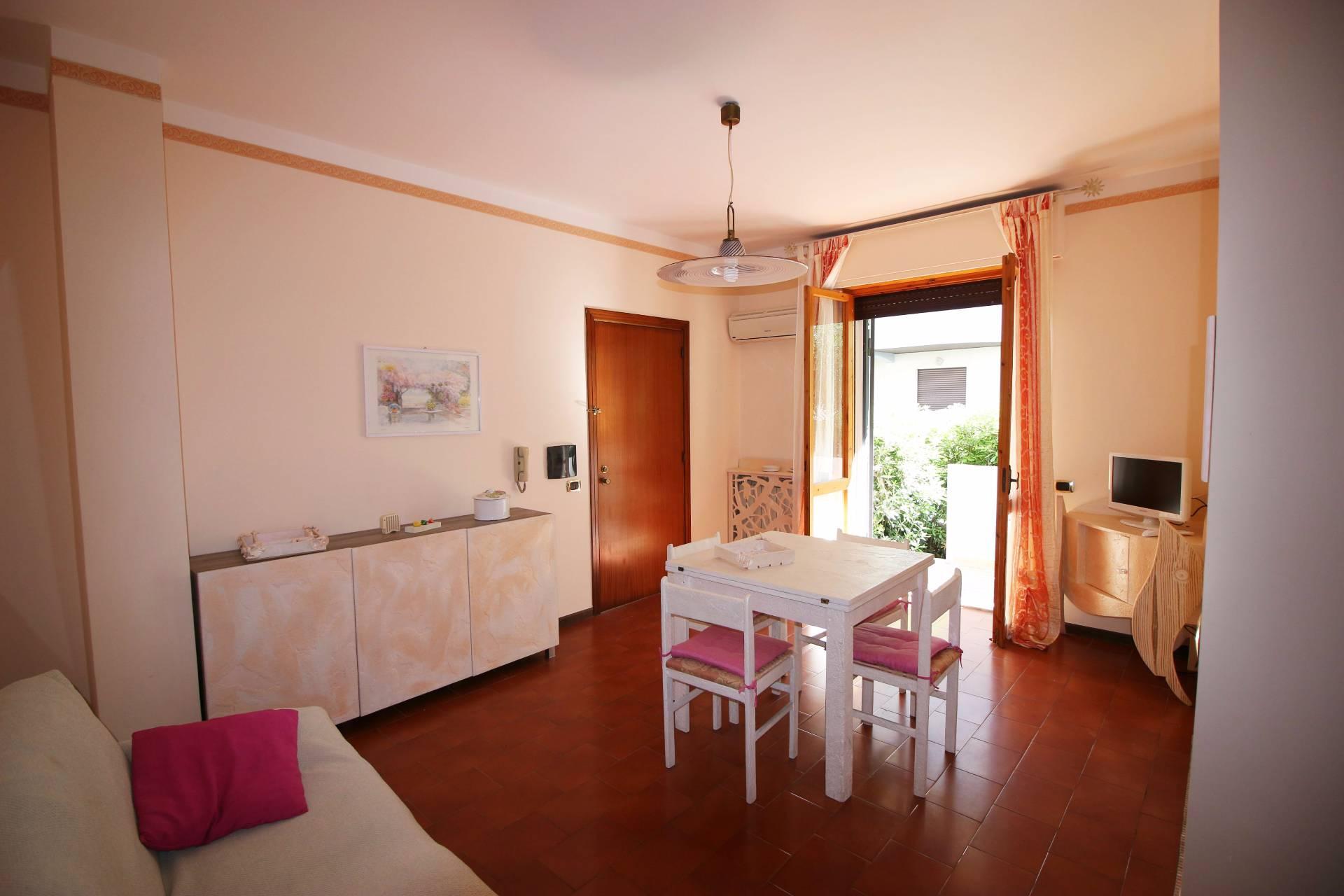 Appartamento in affitto a Tortoreto, 3 locali, zona Località: TortoretoLido, prezzo € 300 | Cambio Casa.it