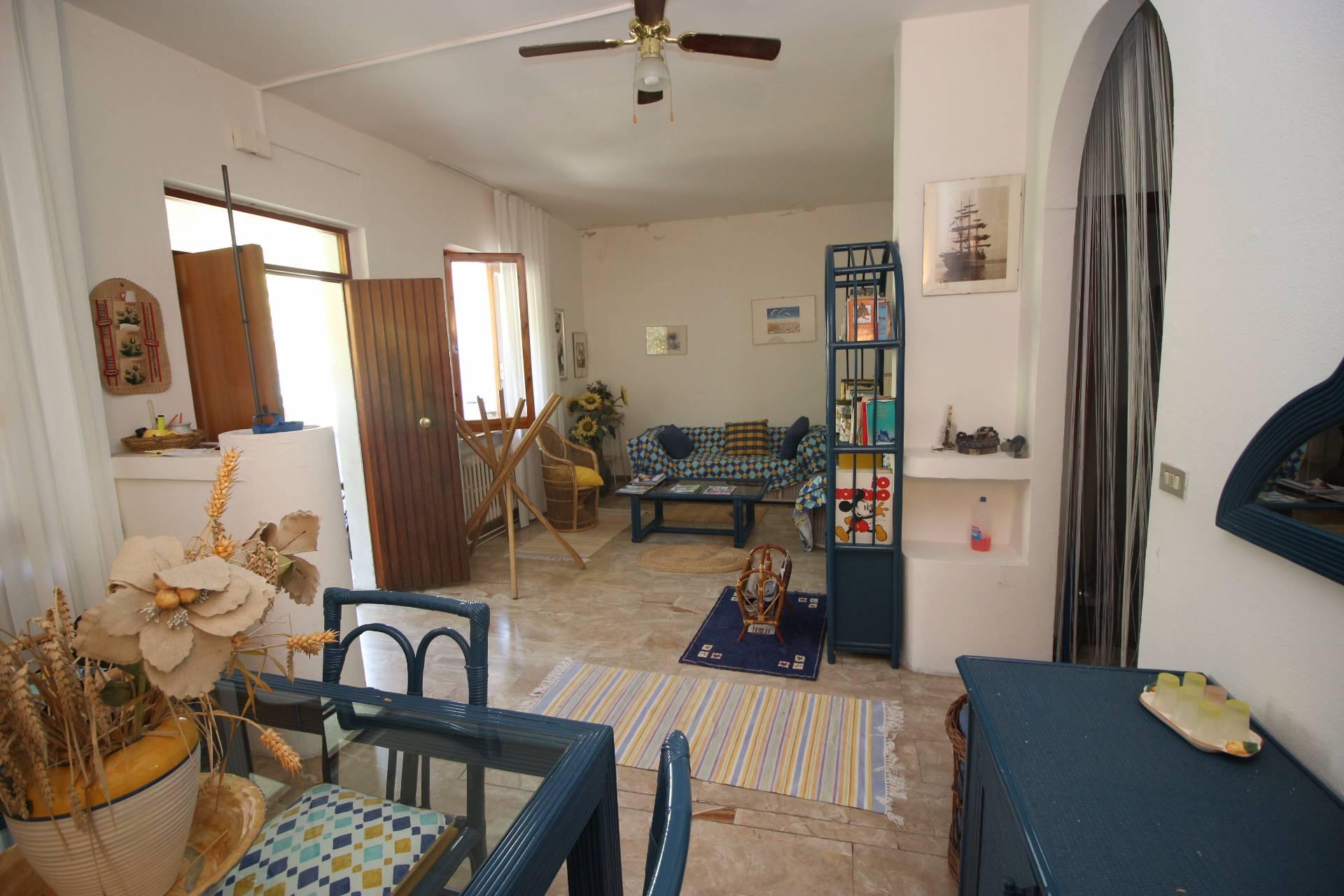 Appartamento in vendita a Tortoreto, 3 locali, zona Località: TortoretoLido, prezzo € 110.000 | CambioCasa.it