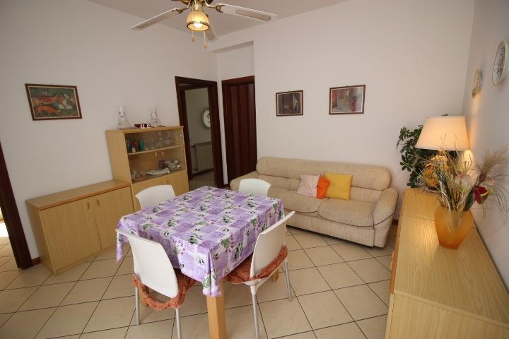 Appartamento in affitto a Tortoreto, 3 locali, zona Località: TortoretoLido, prezzo € 500 | CambioCasa.it
