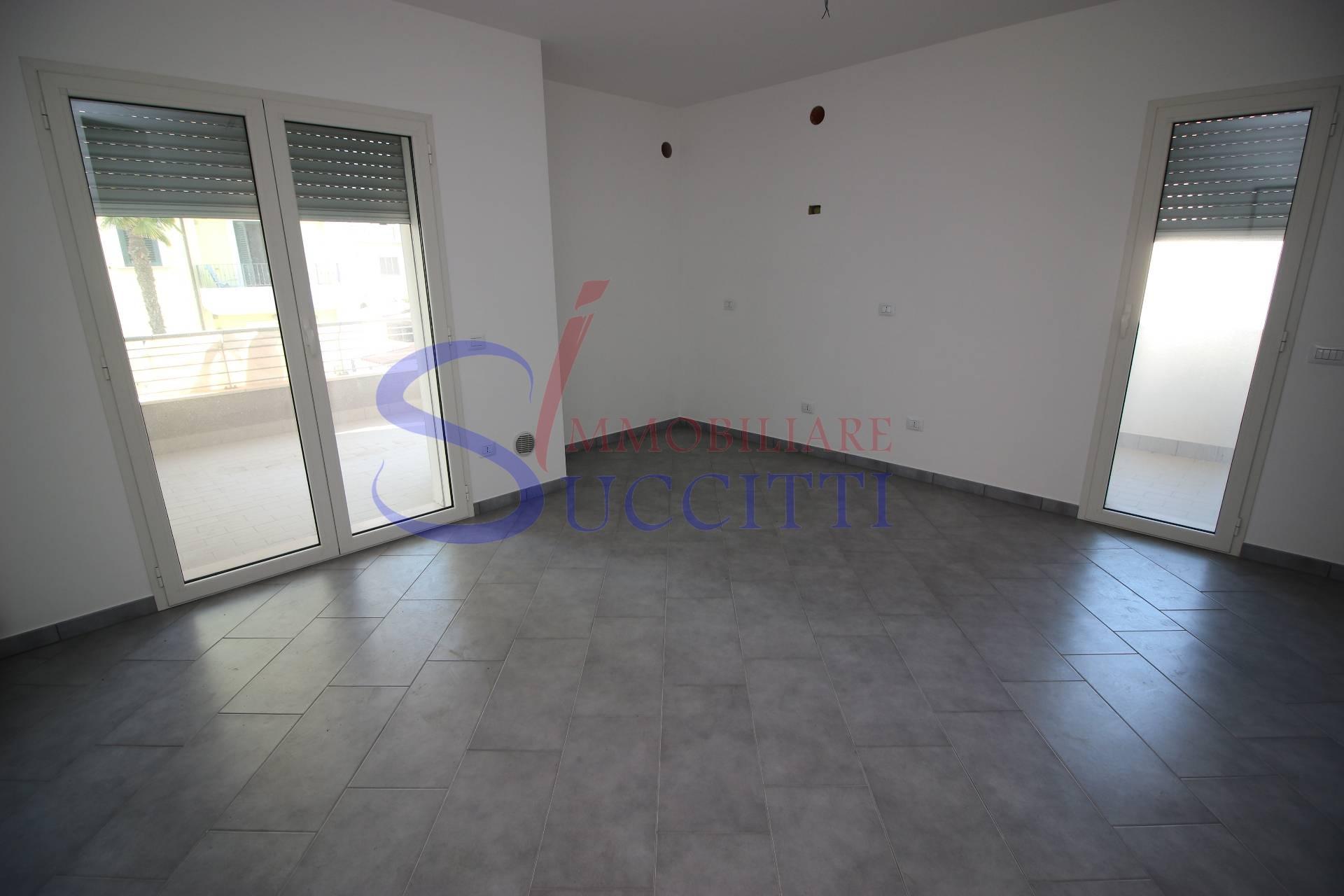vendita appartamento alba adriatica zona mare  141000 euro  3 locali  61 mq