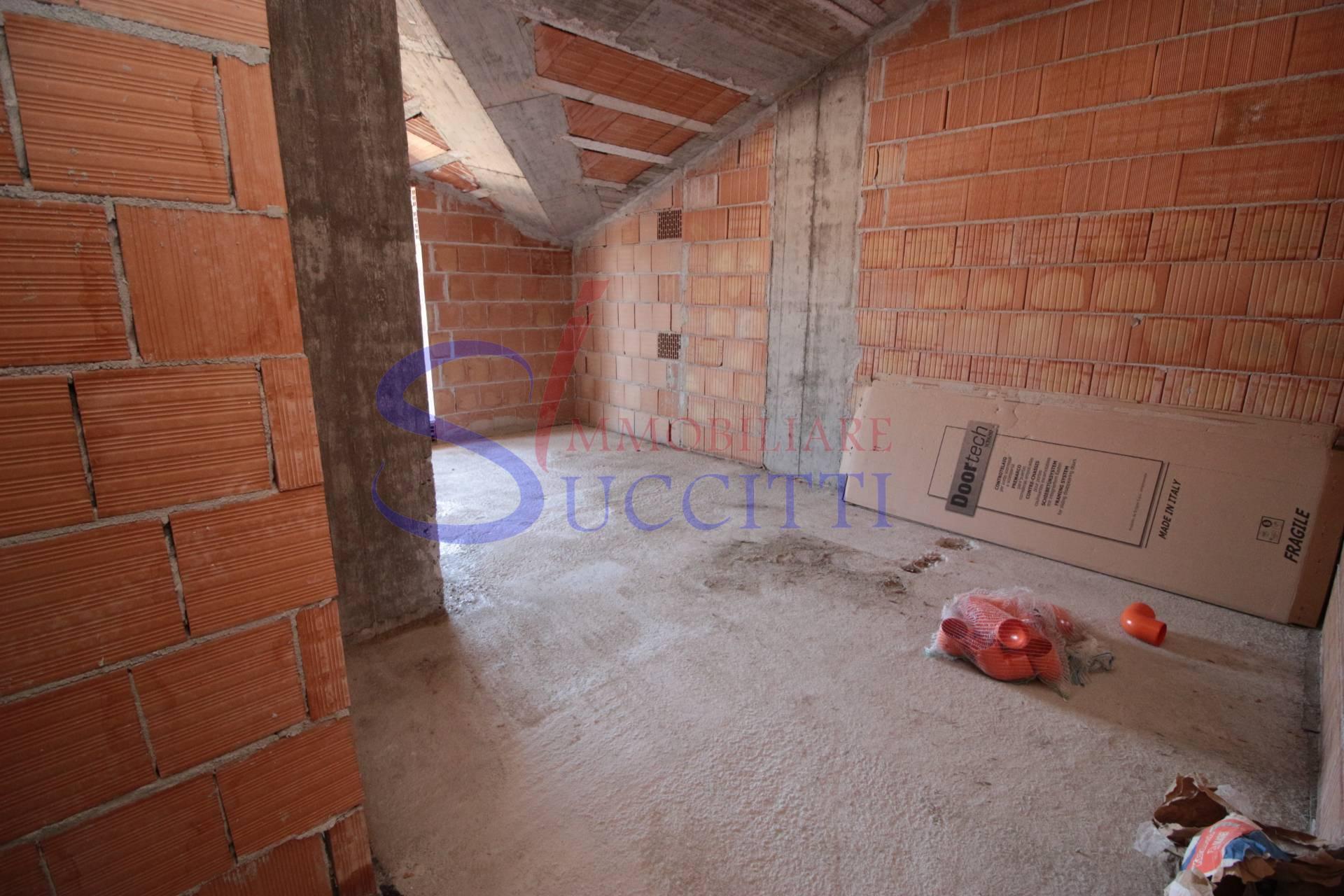 Attico / Mansarda in vendita a Tortoreto, 3 locali, zona Località: TortoretoLido, prezzo € 195.000   PortaleAgenzieImmobiliari.it