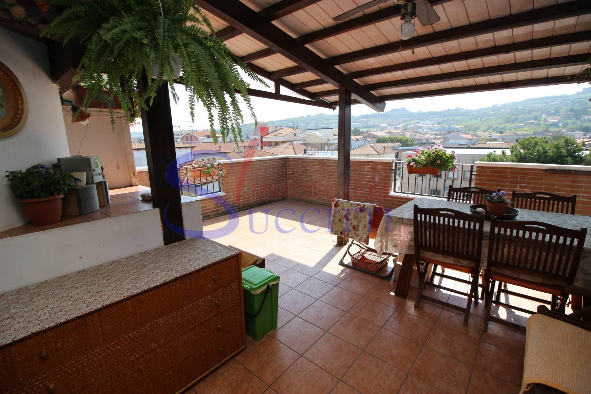 Attico / Mansarda in vendita a Tortoreto, 3 locali, zona Località: TortoretoLido, prezzo € 199.000 | CambioCasa.it