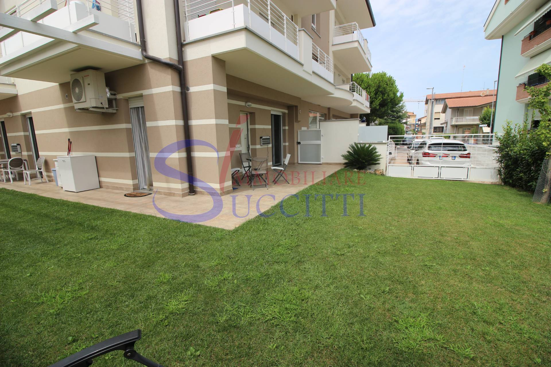 Appartamento in vendita a Giulianova, 3 locali, prezzo € 218.000 | CambioCasa.it
