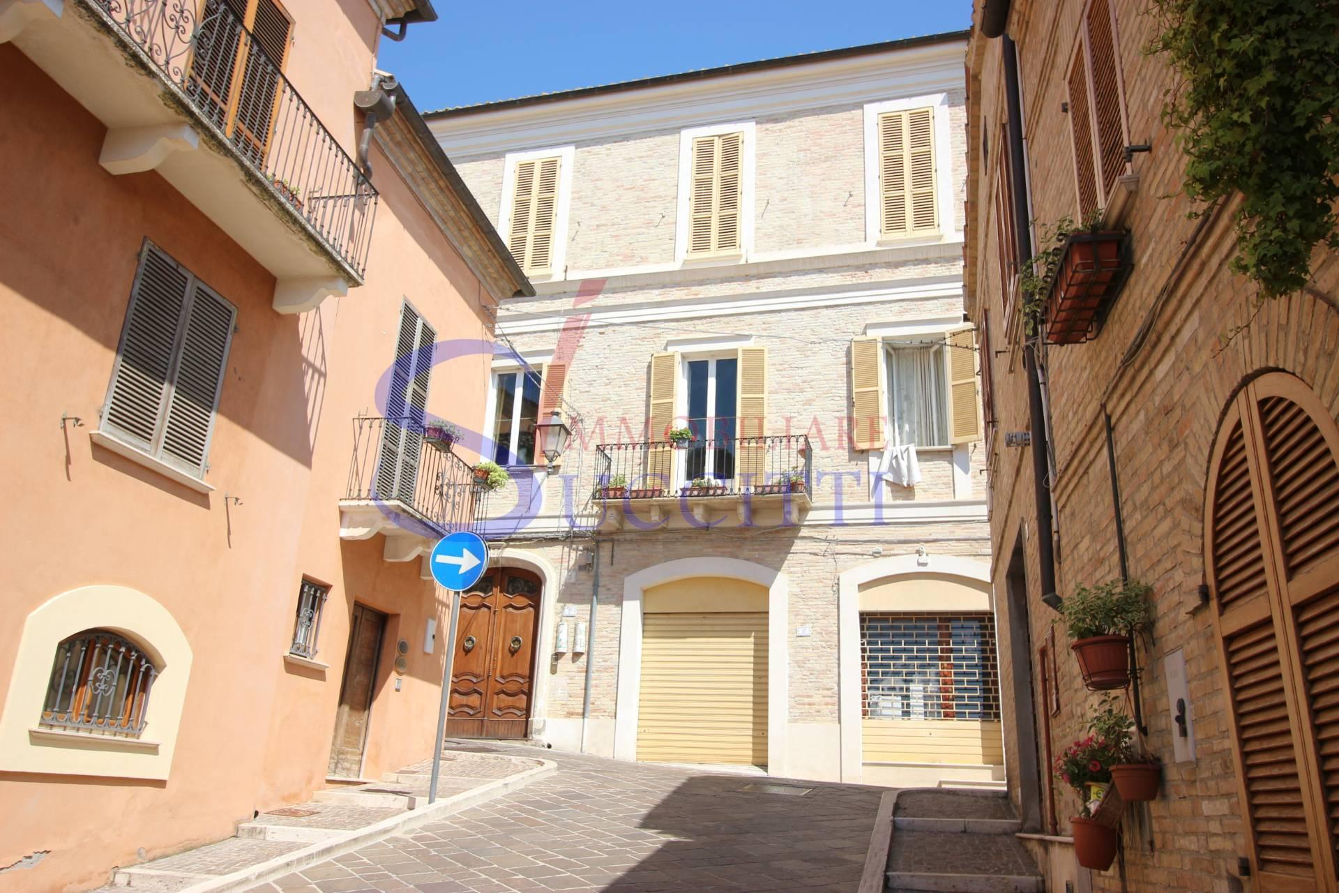 Appartamento in vendita a Atri, 5 locali, prezzo € 220.000   PortaleAgenzieImmobiliari.it