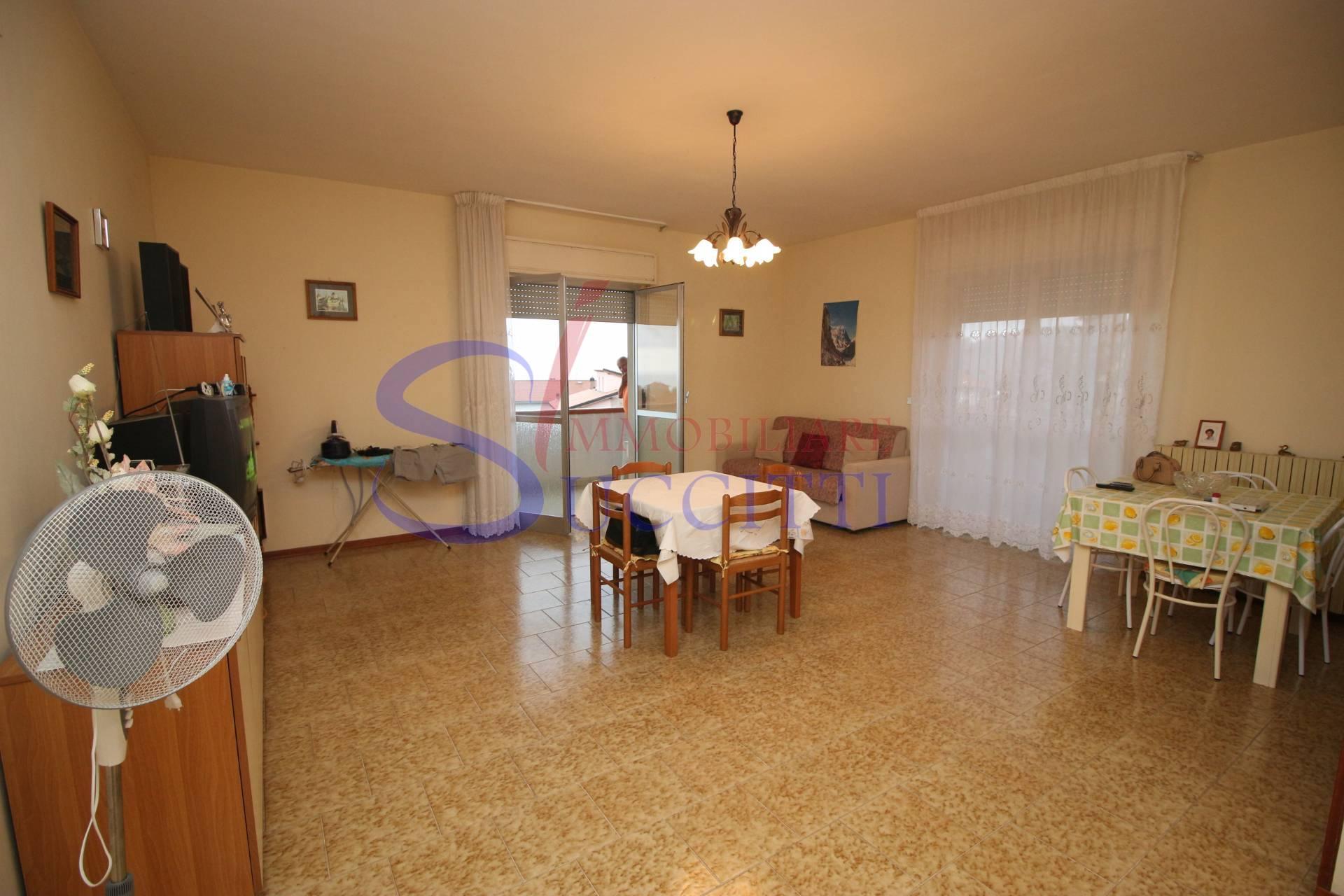 Appartamento in vendita a Tortoreto, 4 locali, zona Località: TortoretoAlta, prezzo € 96.000 | PortaleAgenzieImmobiliari.it