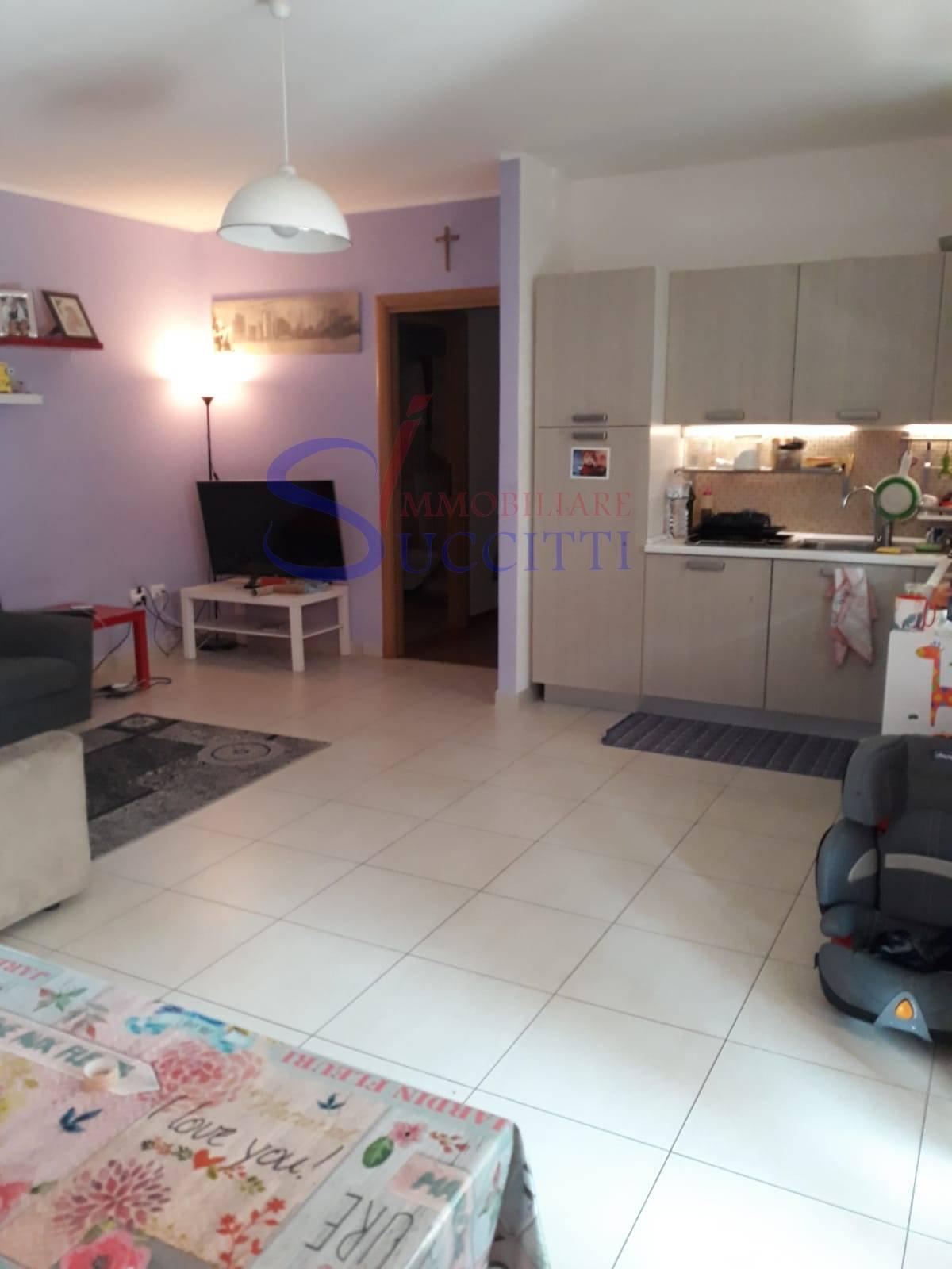 Appartamento in vendita a Giulianova, 3 locali, prezzo € 163.000 | PortaleAgenzieImmobiliari.it