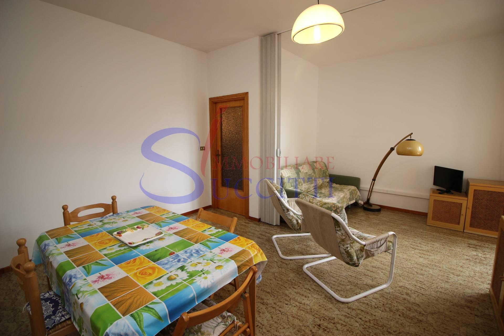 Appartamento in affitto a Tortoreto, 3 locali, zona Località: TortoretoLido, prezzo € 300 | CambioCasa.it