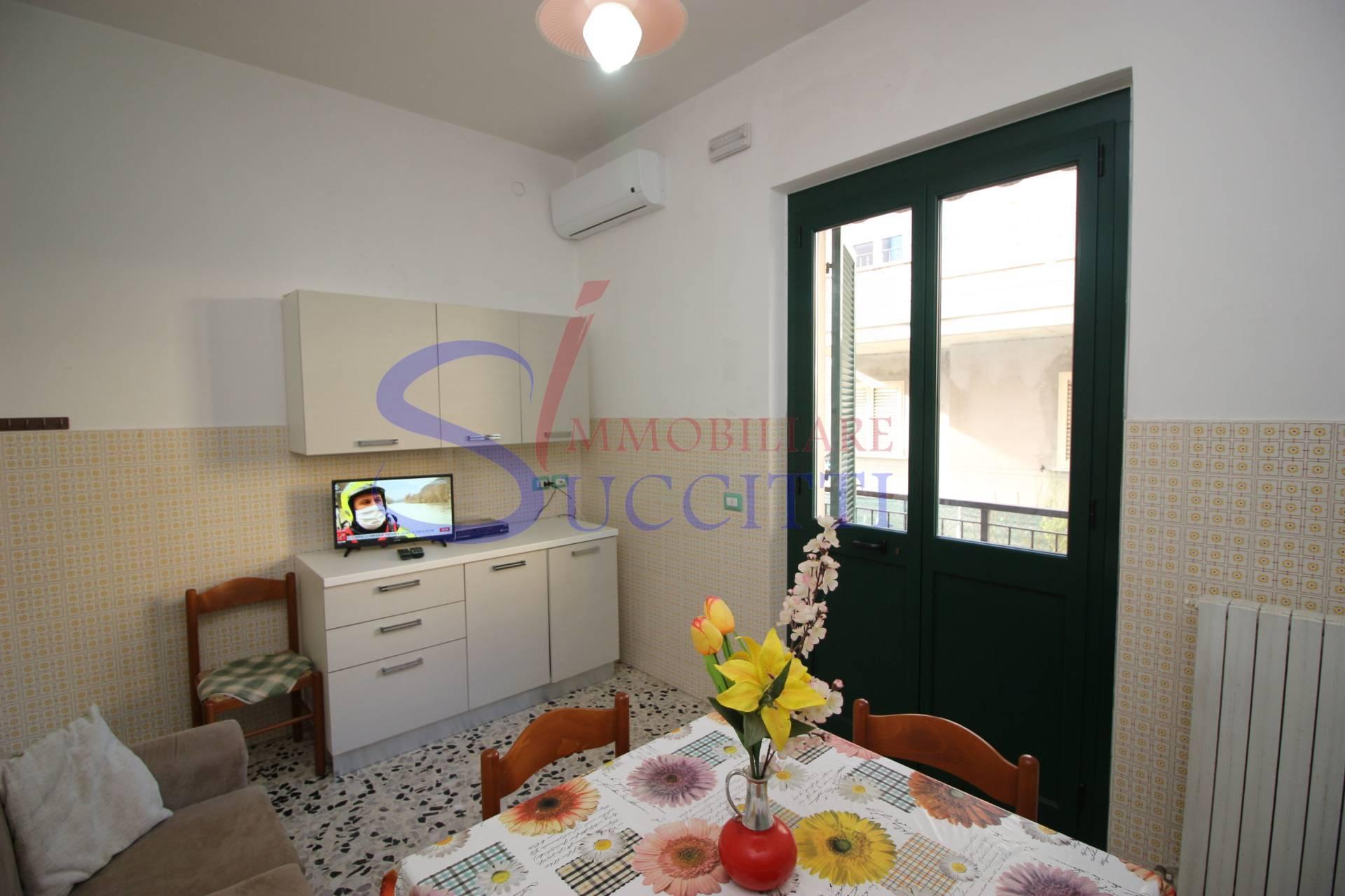Appartamento in affitto a Alba Adriatica, 3 locali, zona Località: ZonaMare, Trattative riservate   CambioCasa.it