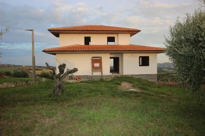 Villa <br/> in Vendita
