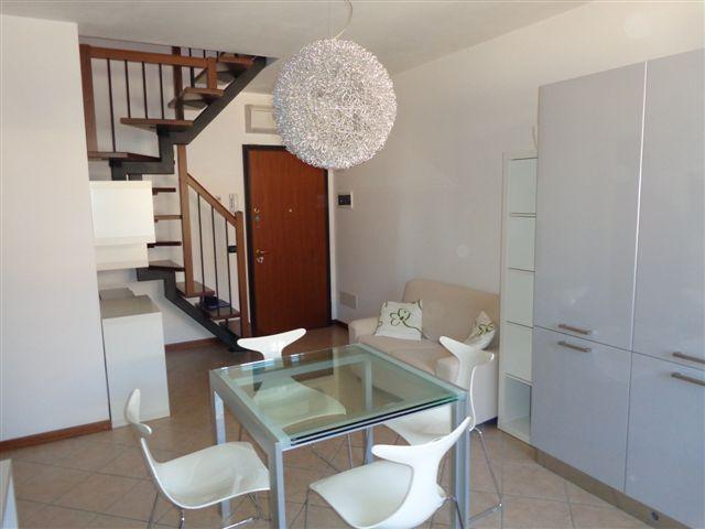 Appartamento in vendita a Cento, 6 locali, zona Zona: Renazzo, prezzo € 129.000 | Cambio Casa.it