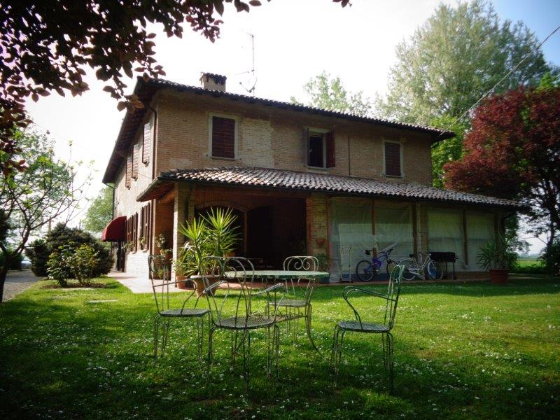 Villa in vendita a Castello d'Argile, 10 locali, zona Località: CastellodArgile, prezzo € 420.000 | Cambio Casa.it