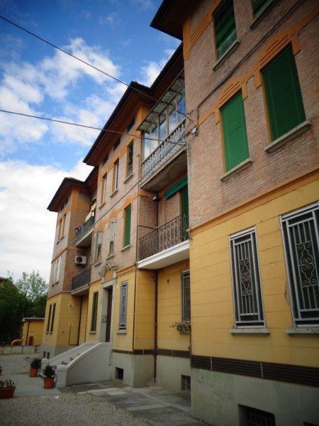 Appartamento in vendita a Cento, 4 locali, zona Località: Cento, prezzo € 89.000 | Cambio Casa.it