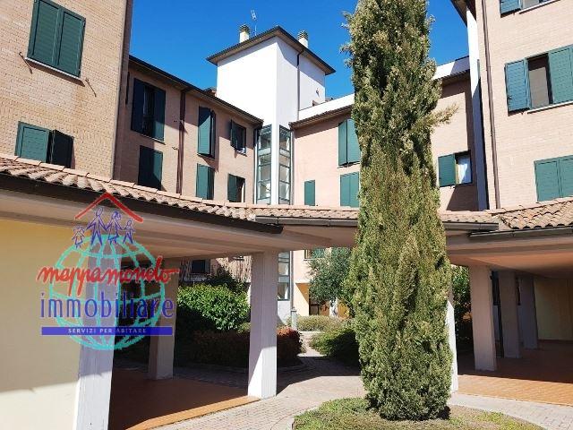 Appartamento in affitto a Cento, 3 locali, zona Località: Cento, prezzo € 600   CambioCasa.it