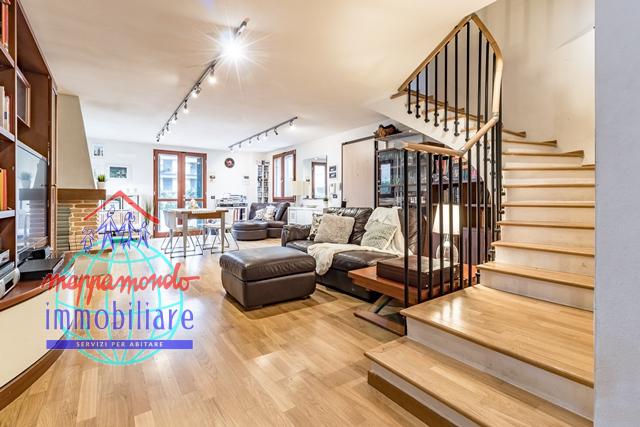 Villa Bifamiliare in vendita a Sala Bolognese, 6 locali, zona Località: Sala, prezzo € 295.000 | CambioCasa.it