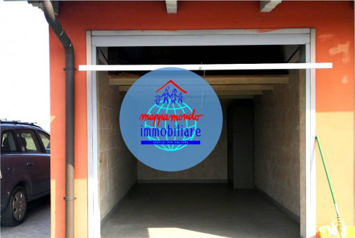 Box / Posto auto in Vendita a Calderara di Reno