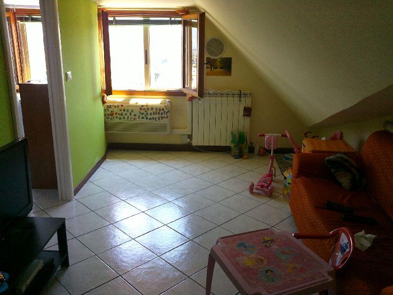 Attico / Mansarda in affitto a Fabriano, 3 locali, zona Località: BORGO, prezzo € 350 | Cambio Casa.it