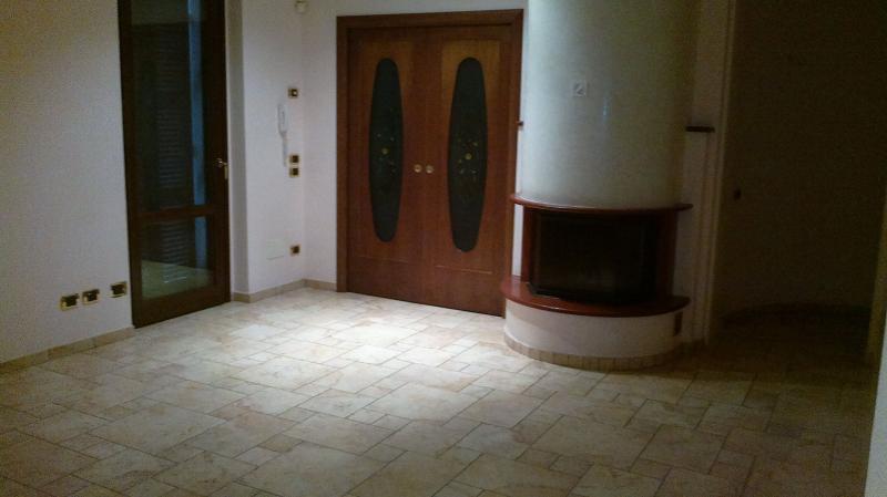 Appartamento in affitto a Fabriano, 5 locali, zona Località: SERRALOGGIA, prezzo € 700 | Cambio Casa.it