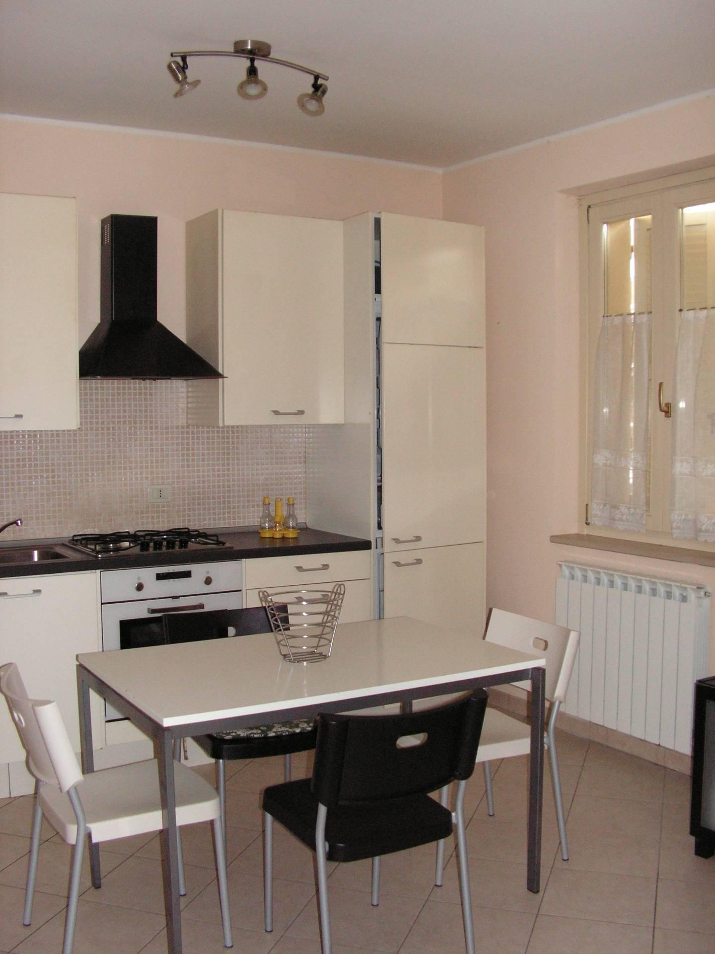 Appartamento in affitto a Fabriano, 1 locali, zona Località: CENTROSTORICO, prezzo € 280 | Cambio Casa.it