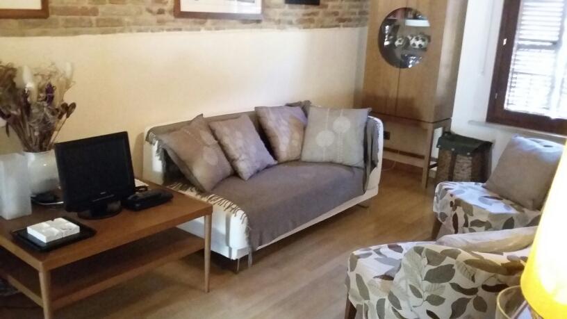Appartamento in affitto a Fabriano, 2 locali, zona Località: CENTROSTORICO, prezzo € 420 | Cambio Casa.it