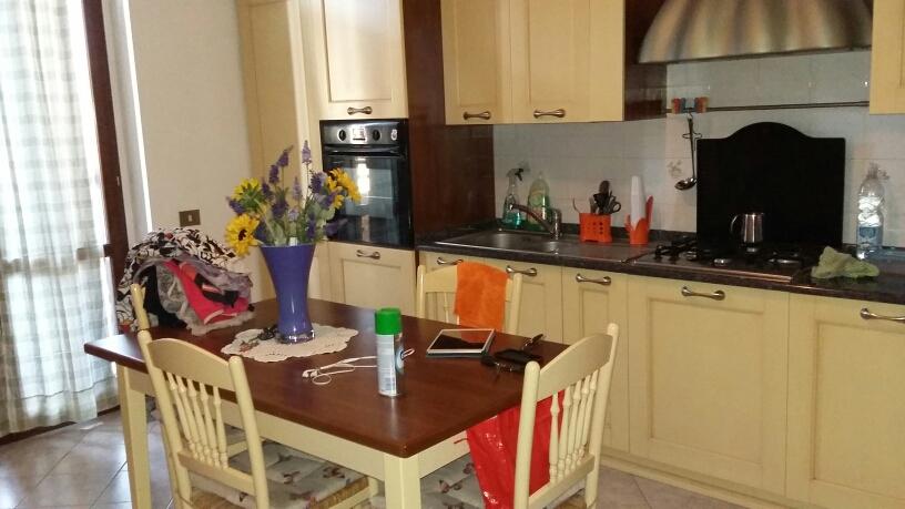 Appartamento in affitto a Fabriano, 2 locali, zona Località: BORGO, prezzo € 320 | Cambio Casa.it