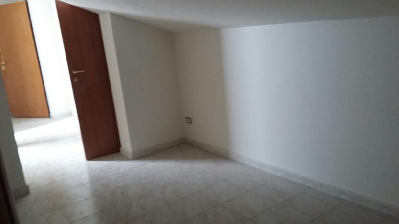 Appartamento in vendita a Cerreto d'Esi, 5 locali, prezzo € 125.000 | Cambio Casa.it