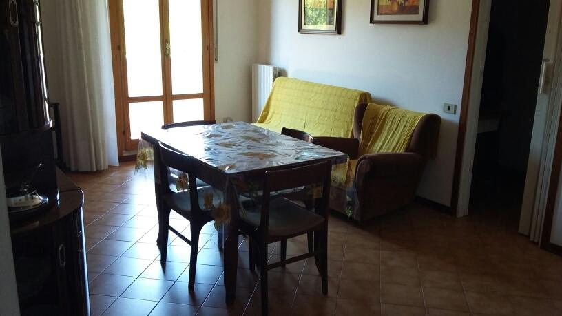 Appartamento in affitto a Fabriano, 3 locali, zona Località: PIANO, prezzo € 350 | Cambio Casa.it