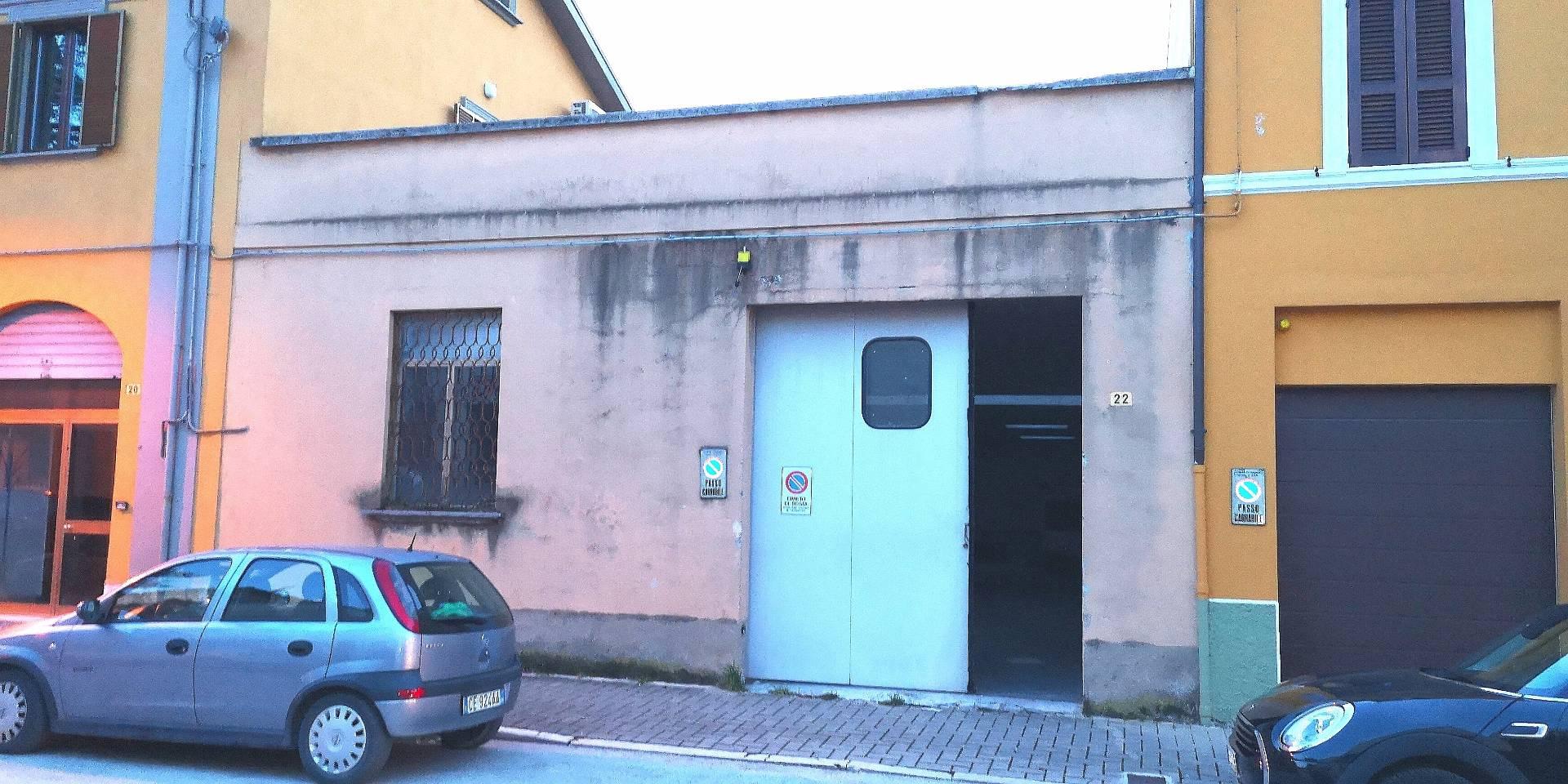 CAPANNONE in Vendita a Fabriano (ANCONA)