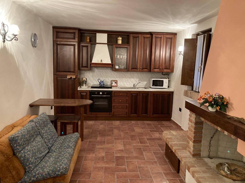 Casa indipendente in vendita a Cerreto D'esi (AN)