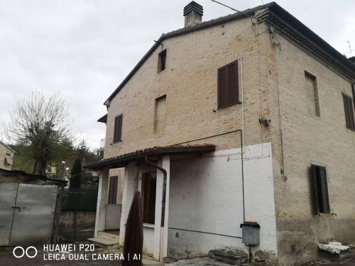 casa indipendente in Vendita a Fabriano