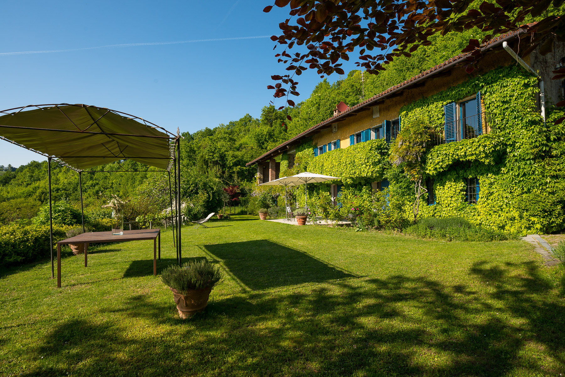 Fascinating country house in the hills of Turin