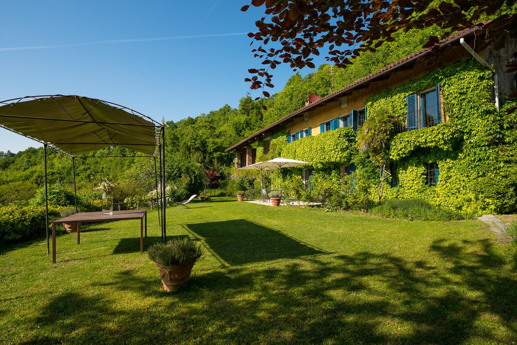Fascinante maison de campagne dans les collines de Turin