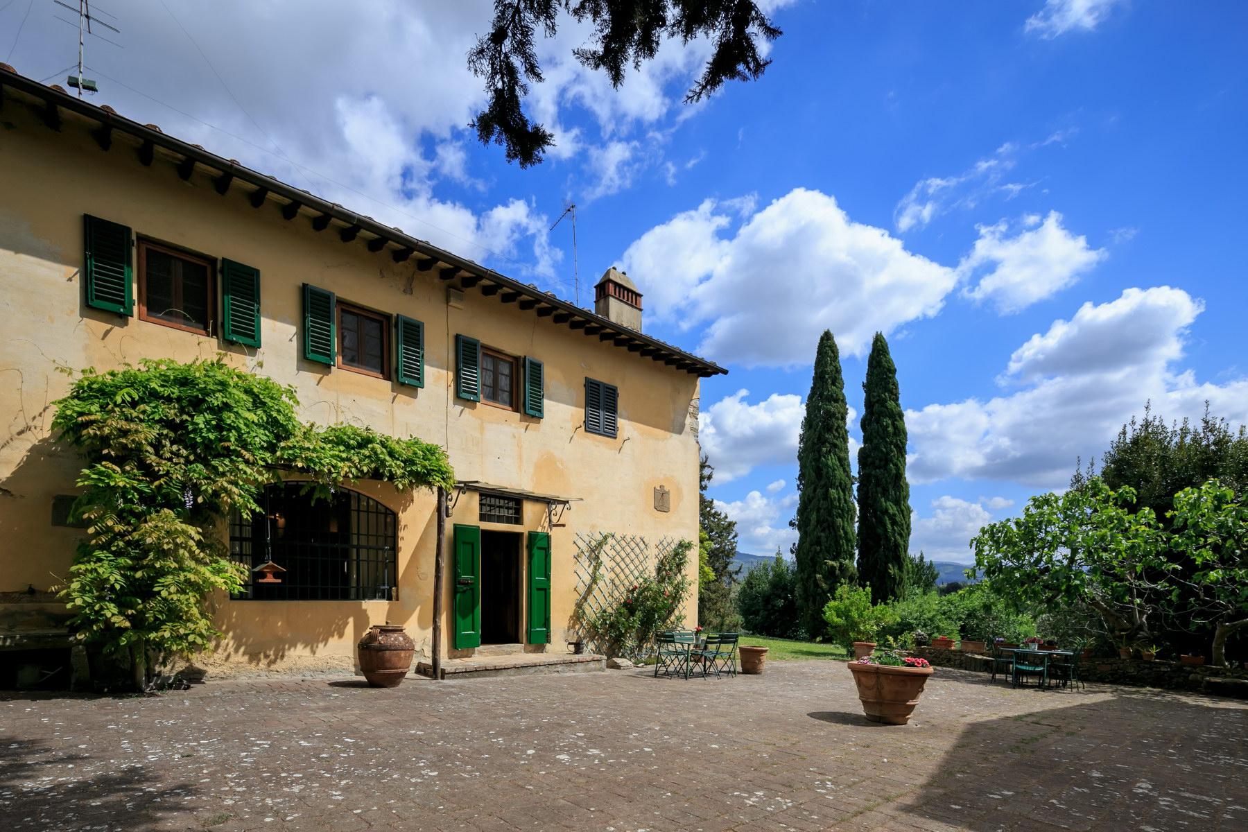 Beautiful country house in the Florentine hills