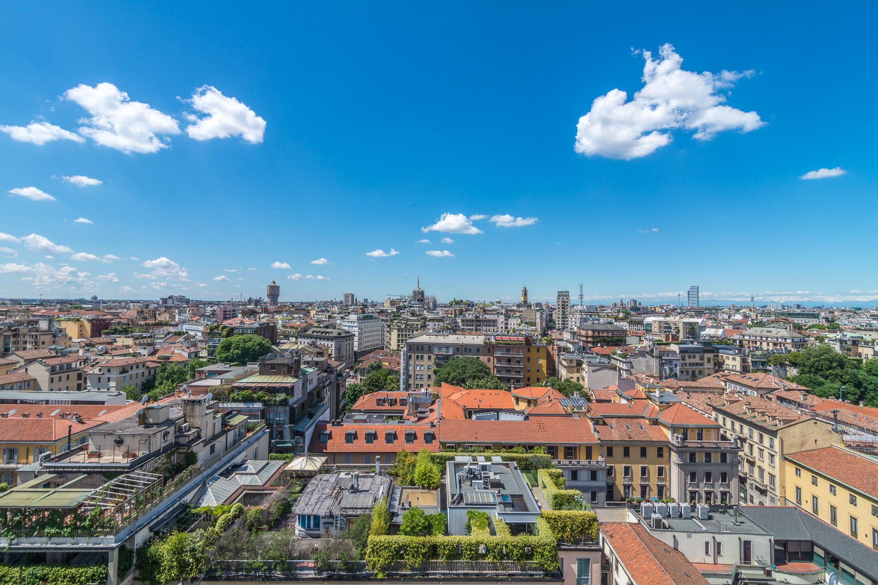 Elegant apartment with extraordinary views of Milan