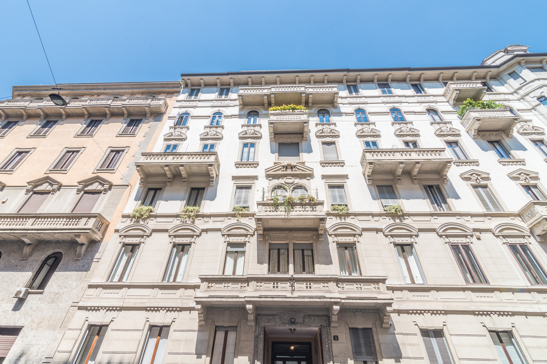Incomparable apartment in elegant period building