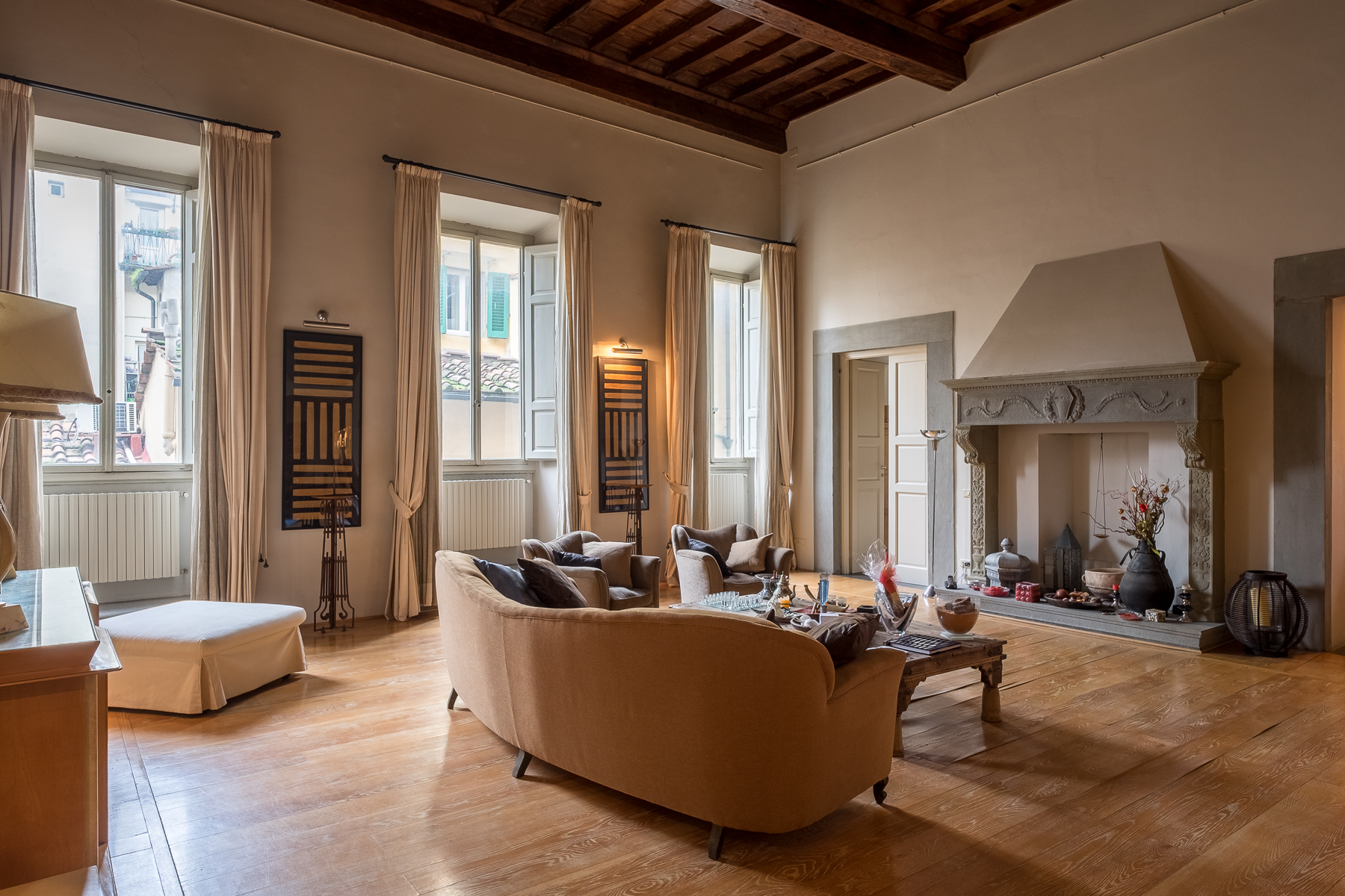 "Lovely contemporary apartment in historic ""palazzo\"""