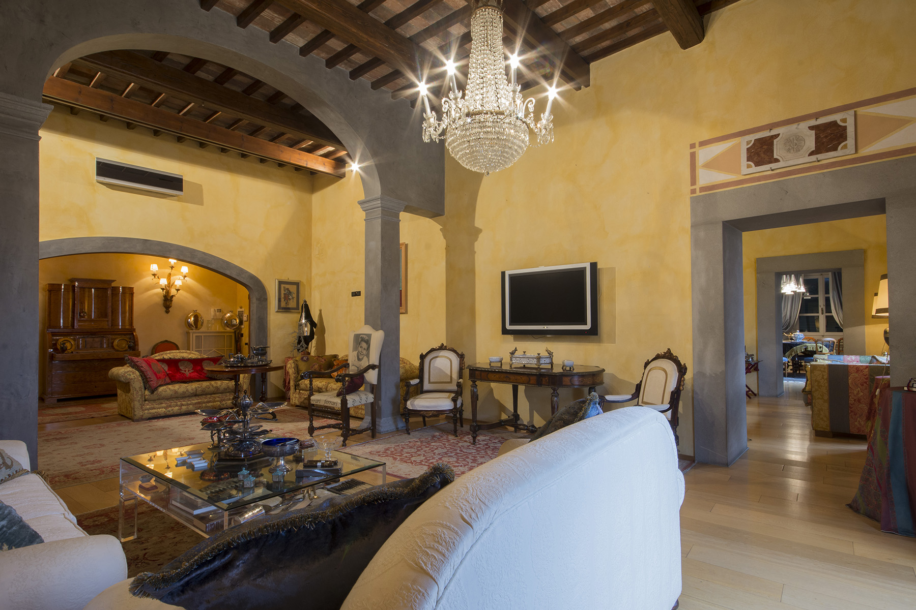 Marvelous apartment on the lungarno of Pisa