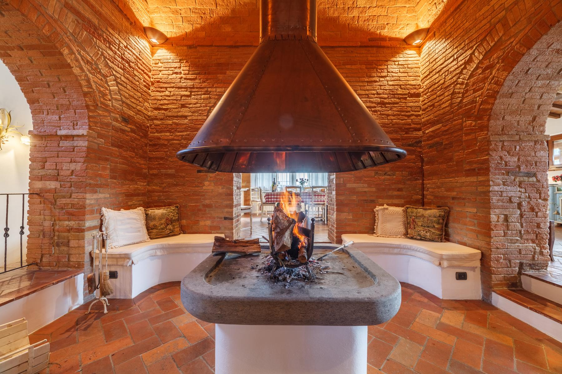 Merveilleuse briqueterie dans la campagne toscane