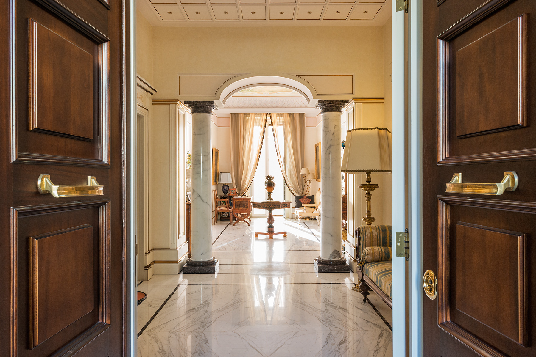 Magnificent Classical Style Apartment