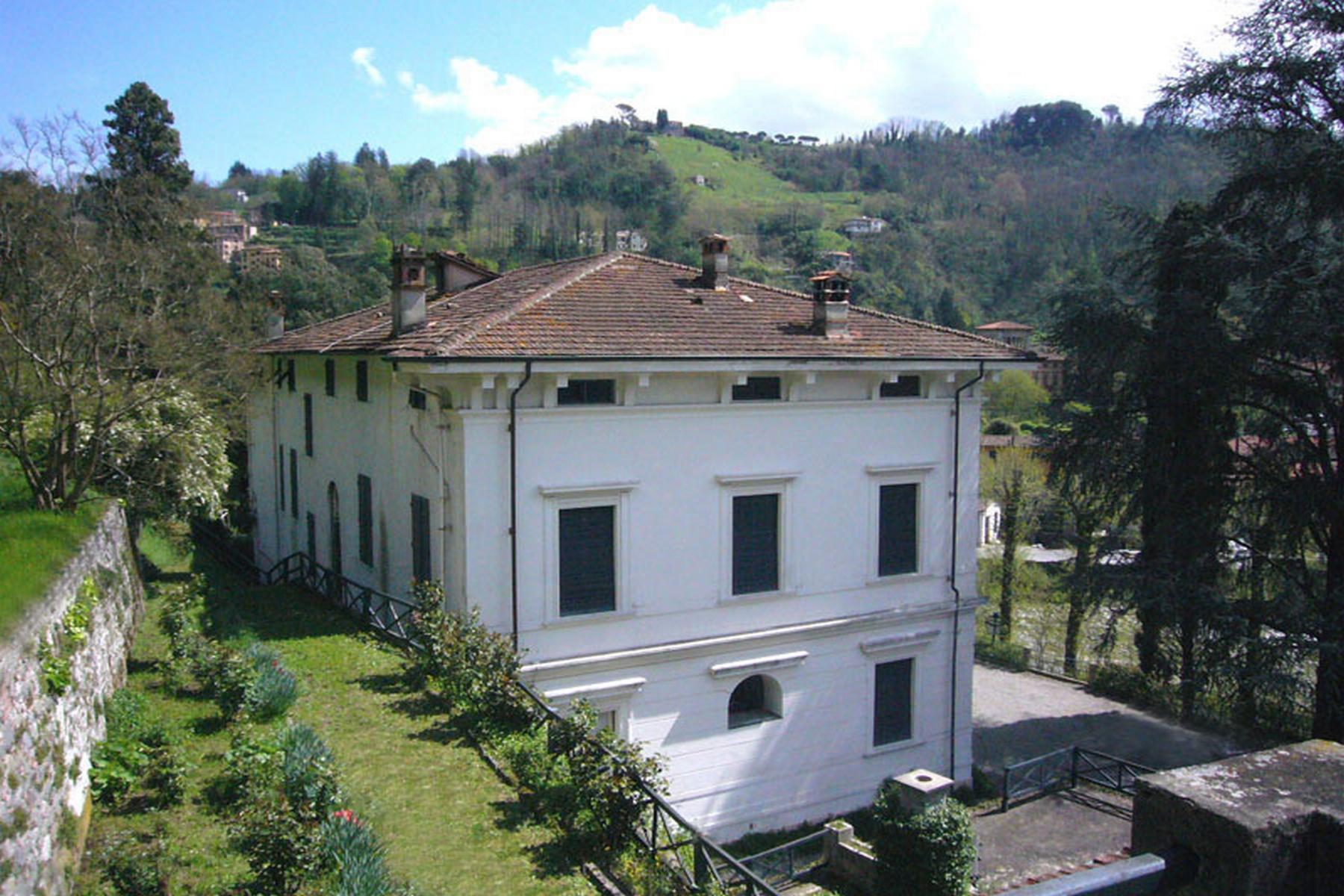 Beautiful villa to be restored