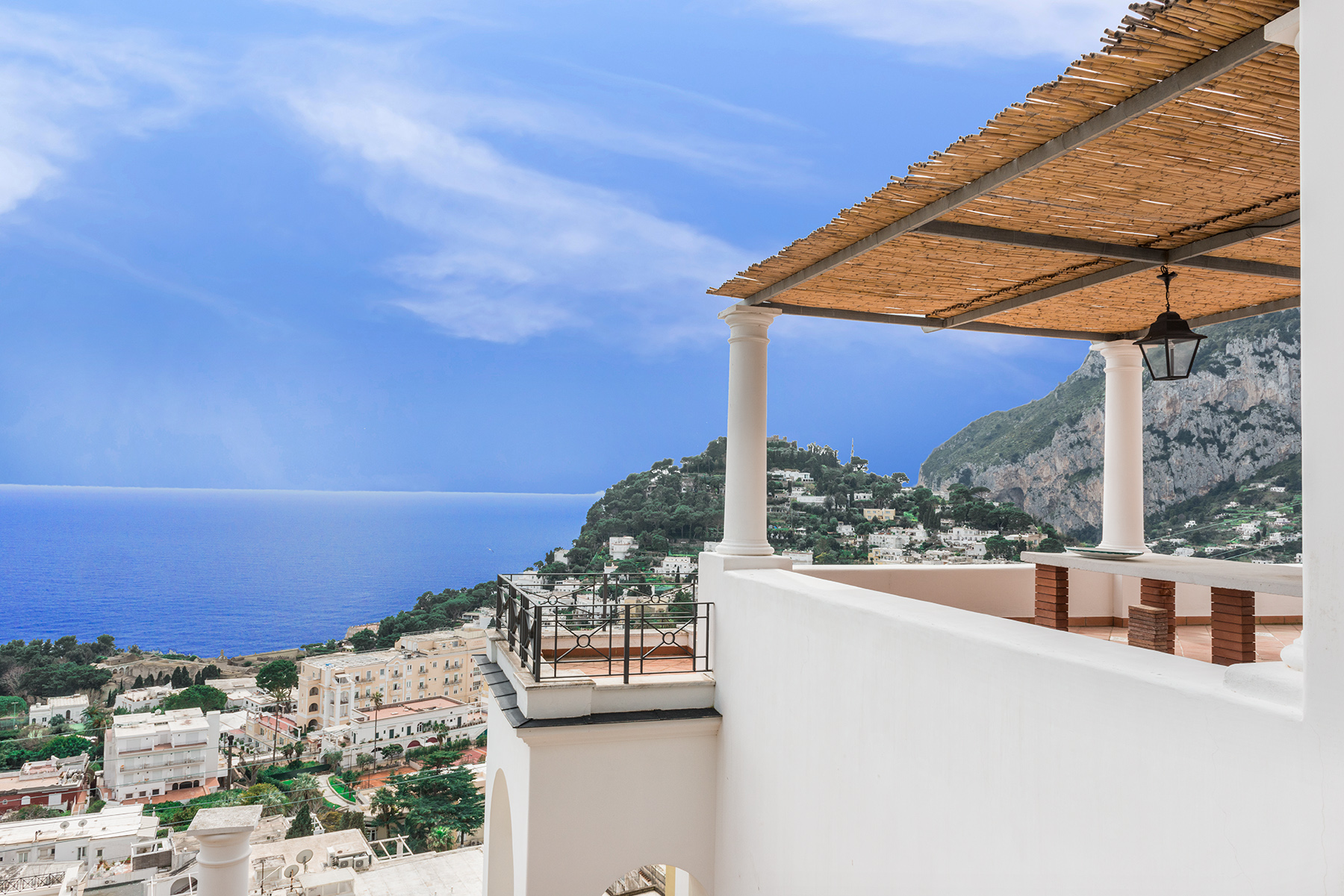 A MAGNIFICENT VILLA ON PANORAMIC VIA BELVEDERE CESINA, CAPRI