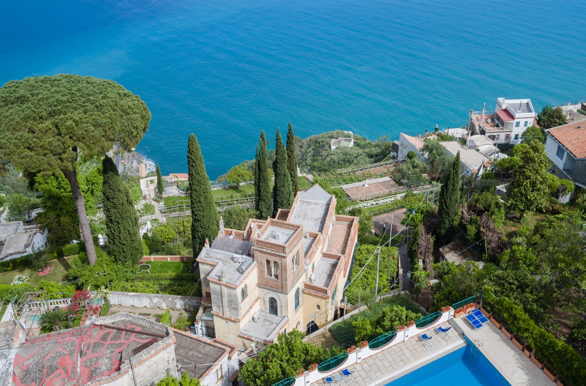 EXTRAORDINARY HISTORIC VILLA IN THE HEART OF RAVELLO