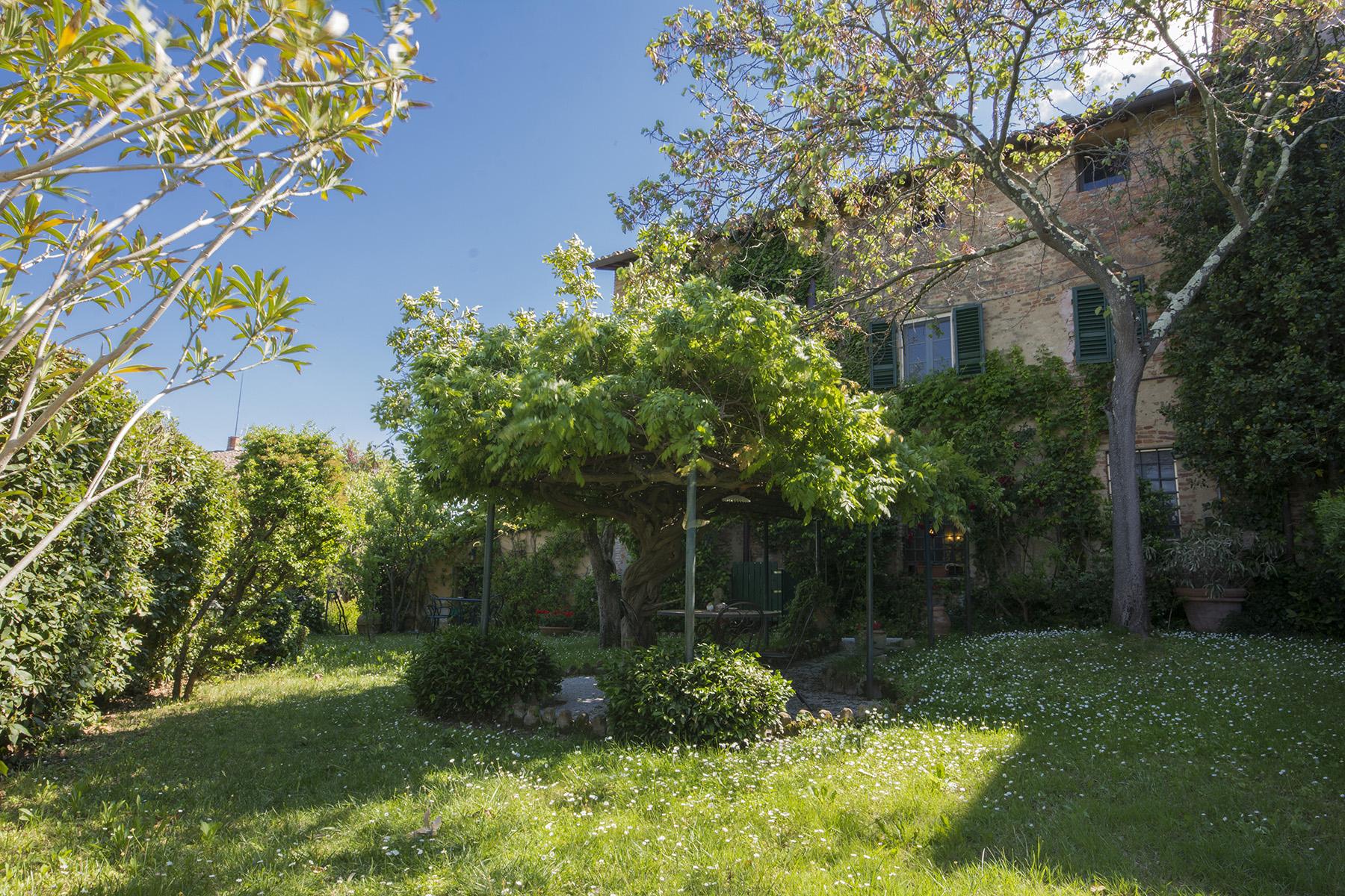 Belle villa du 19ème siècle dans le village médiéval de Palaia