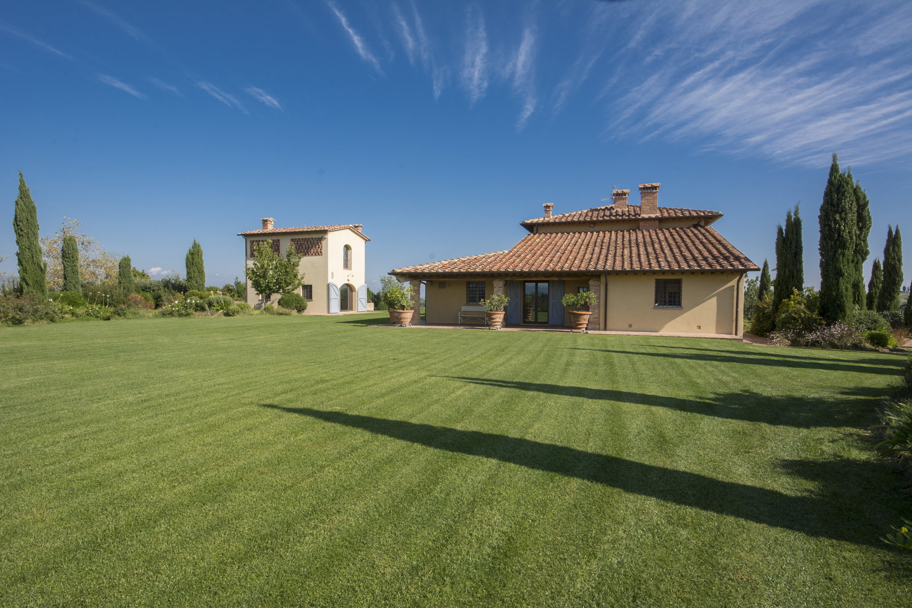 Magnificent villa in the Tuscan countryside