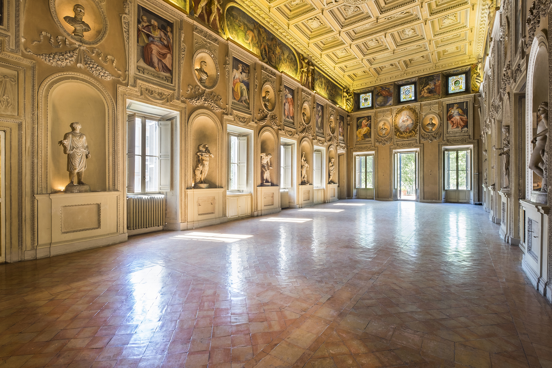 Palazzo Sacchetti, a pearl of the late reinassance in the heart of Rome