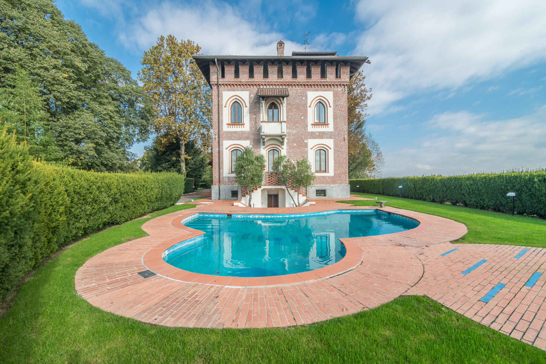 Pretigious historical villa close to Milan