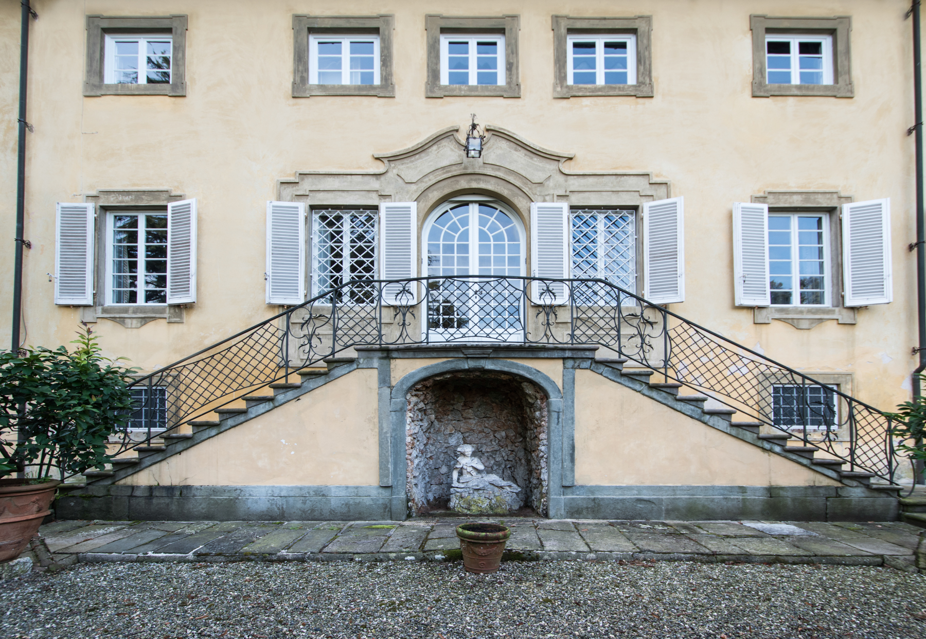 Charming 18th century villa in Lucca countryside