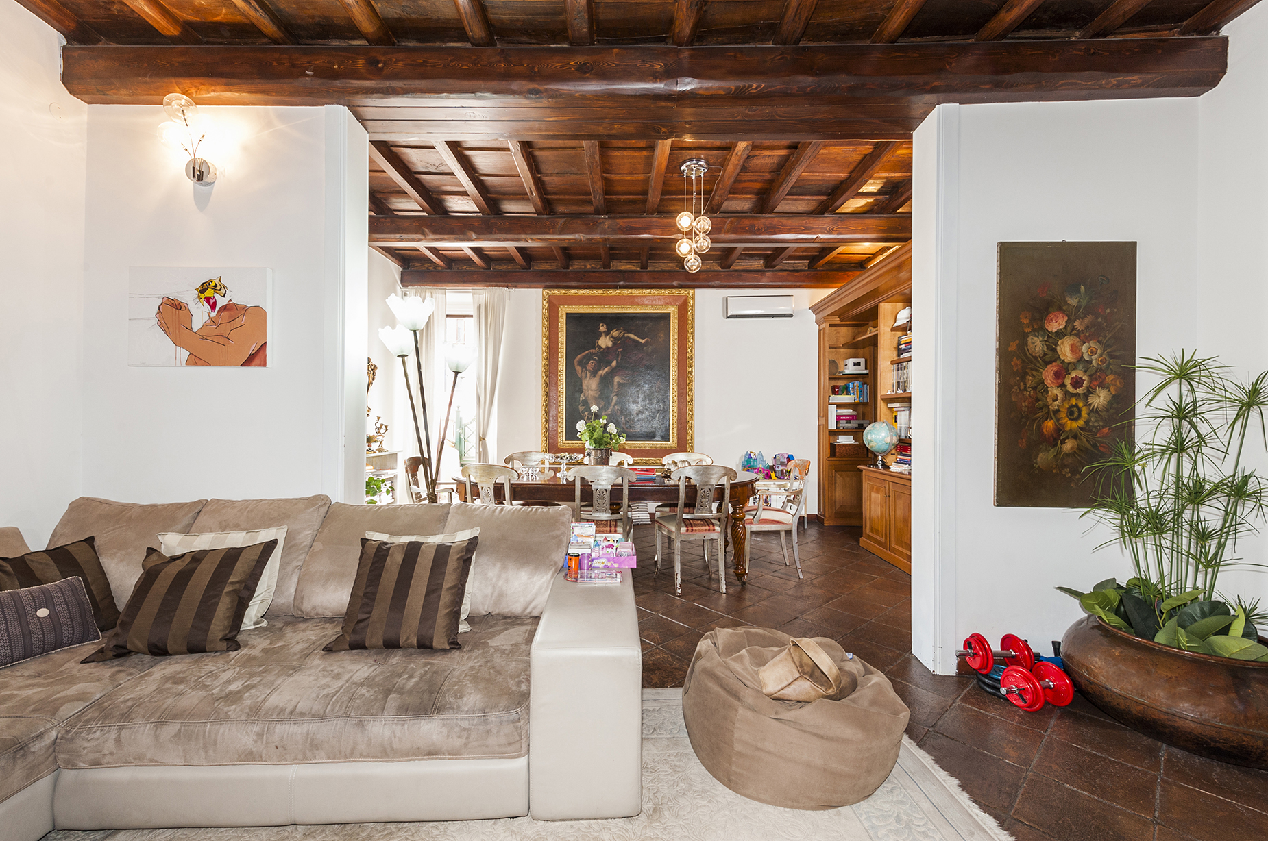 Charming apartment near Fontana di Trevi